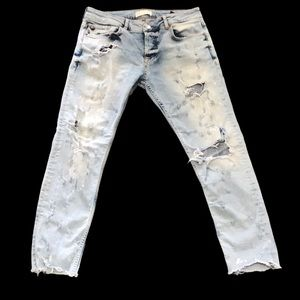 Zara Man distressed white washed 31